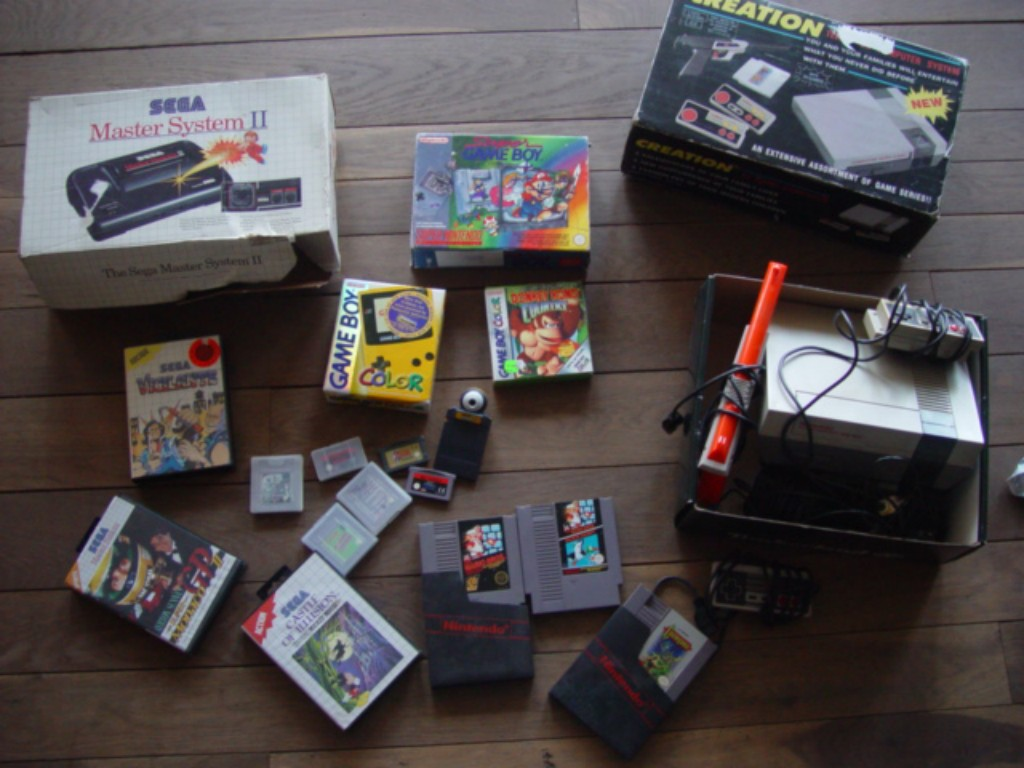 Master System 2 en boite, Game Boy color complète, Clône Nes, Nes hollandaise, Donkey Kong Country Gbcolor, Super Game Boy